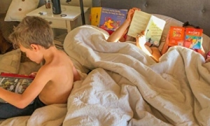 Bà mẹ 5 con chia sẻ kinh nghiệm 'cai nghiện' iPad cho trẻ, tưởng làm không dễ nhưng lại dễ không tưởng
