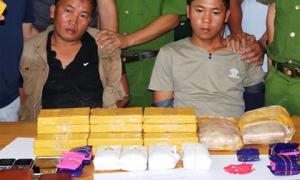Phá thành công chuyên án ma túy lớn, bắt giữ 2 đối tượng vận chuyển 20 bánh heroin và 12.000 viên ma túy