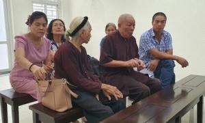 Tạm hoãn xét xử vụ con dâu khai tử bố mẹ chồng đang sống để bán nhà đất