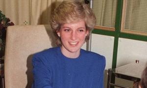 Người lính cứu hộ tiết lộ câu nói cuối cùng của Công nương Diana khi cố cứu bà ra khỏi chiếc xe gặp tai nạn thảm khốc năm xưa