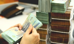 Dưới 1 tỷ đồng, gửi tiết kiệm tại quầy ngân hàng nào có lợi nhất hiện nay?