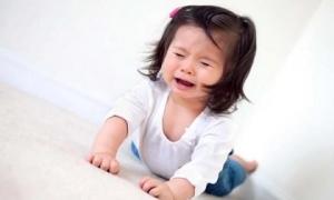 3 dấu hiệu của một đứa trẻ hư, cha mẹ cần uốn nắn ngay kẻo muộn