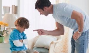 """3 kiểu ông bố """"gương mờ"""" khiến con càng lớn càng hư hỏng"""