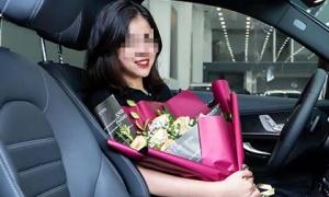 Khoe vừa mua được xe 2 tỷ ở tuổi 19, cô gái khiến cộng đồng mạng chia rẽ