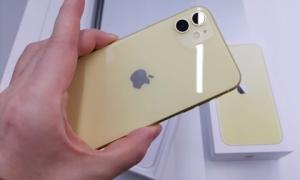 Giá iPhone 11 chính hãng đang rẻ hơn máy xách tay
