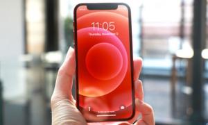 Ngắm iPhone 12 Mini thực tế, rất nhỏ gọn!