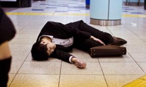 Nhật Bản: Hơn 700 nam giới tự sát chỉ trong một tháng