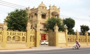 Cận cảnh biệt thự dát vàng của đại gia Thiện Soi vừa bị bắt để điều tra hành vi rửa tiền