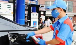 Giá xăng tăng cao nhất trong 9 tháng
