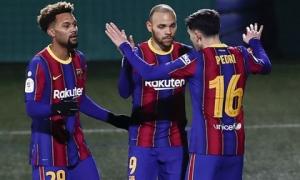 Vắng Messi, Barcelona chật vật vượt ải 'tí hon' Cornella ở Cúp Nhà vua
