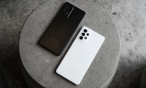 Mở hộp Samsung Galaxy A52 5G và A72: Chiếc điện thoại dòng A đẹp nhất của Samsung từ trước đến nay