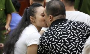 Cái kết đắng cho mối tình giữa 'trùm ma túy' Văn Kính Dương và 'hot girl' Ngọc Miu: Nhận hết tội trạng để bảo vệ người tình đến nụ hôn tạm biệt trước giờ nhận án tử