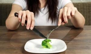 Người có tuổi thọ ngắn khi ăn thường gặp 3 vấn đề, nếu không có thì chả phải lo nghĩ nhiều