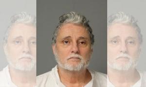 Bố nhẫn tâm bắn chết con gái nhưng khi ra tòa được gần 20 người trong gia đình ra sức bảo vệ