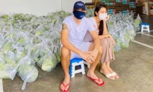 Vợ chồng Thủy Tiên bán rau 1 tỷ 1 bó nhưng tuyên bố giảm giá sốc vì mùa dịch