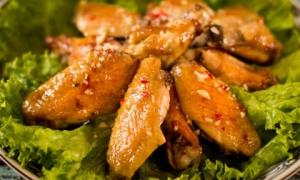 Cánh gà nướng muối ớt thơm lừng, ai cũng muốn ăn