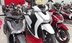 Honda SH tiếp tục giảm giá, SH Mode và Vision 'bay' tiền triệu