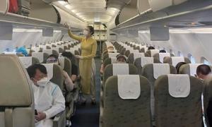 Chuyến bay thương mại đầu tiên của Vietnam Airlines từ TP.HCM đến Đà Nẵng sau khi mở lại đường bay