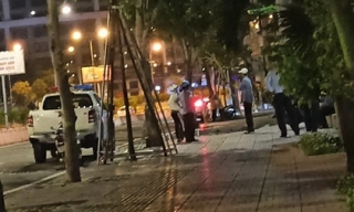 Người đàn ông ngoại quốc nghi rơi từ tầng cao chung cư cao cấp ở Sài Gòn xuống đất