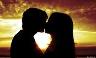 Nụ hôn oan nghiệt khiến người vợ trẻ mất mạng