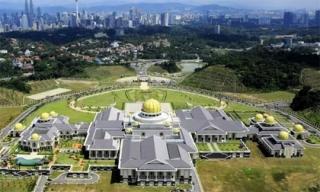 Tìm hiểu về sự giàu có khủng khiếp của hoàng gia Brunei