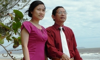 Đại gia gần 80 tuổi sát trinh nữ và dư sức lấy gái 18