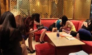 Thiếu nữ 13 tuổi bị ép bán thân 6 triệu, ngày phải tiếp 5 khách