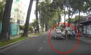 Cô gái bị giật đồ trắng trợn ngay giữa đường phố Sài Gòn