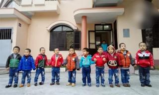 Cuộc sống hồn nhiên của 10 đứa bé trở về sau khi bị bán sang Trung Quốc