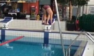 Kiểu bơi chưa từng có: Michael Phelps cũng phải thua