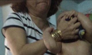 Sốc với clip đánh trẻ mầm non dã man trong giờ ăn ở Đà Nẵng