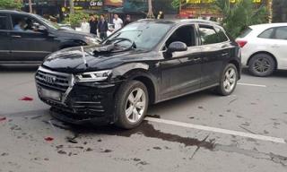 Tin mới vụ xe Audi lùi như tên bắn, húc văng người đi đường giữa Hà Nội