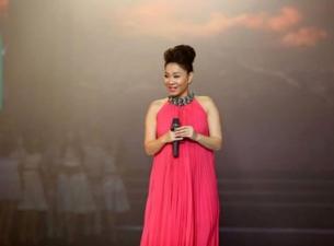 Thu Minh gặp sự cố sức khoẻ trong liveshow Wanbi Tuấn Anh