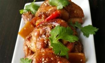Thịt gà kho nước dừa ngon chưa từng thấy