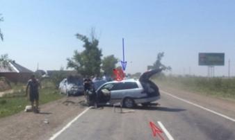 Nga: Cảnh sát lái xe lao vào chiếc ô tô ngược chiều để cứu sống 300 học sinh
