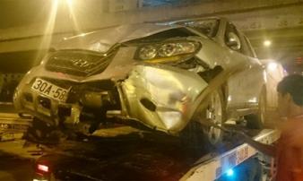 Ô tô 'điên' gây tai nạn kinh hoàng ở đường Phạm Hùng