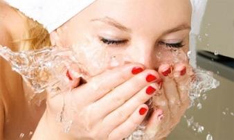 Phá hủy làn da của mình vì rửa mặt không đúng cách