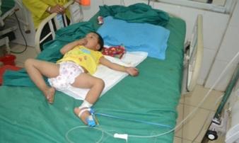 Hà Giang: Bé gái 3 tuổi bị đạn bắn xuyên đầu
