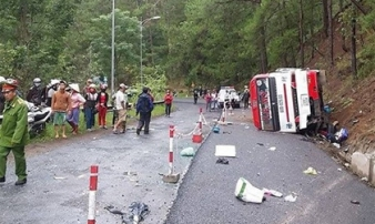 Hiện trường tai nạn thảm khốc, 8 người chết trên đèo Prenn