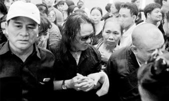 Chuyện chưa kể ở đám tang Minh Thuận