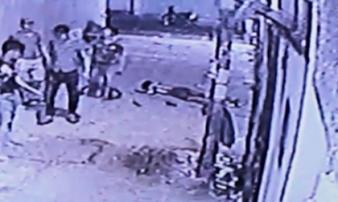 Chở bạn gái về phòng trọ, thợ hồ bị đánh hội đồng đến chết