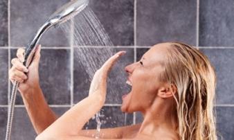 Đừng đùa: Những thói quen tắm vào mùa hè này dễ khiến bạn bị đột quỵ, mất mạng như chơi