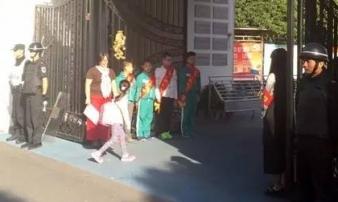 Bé gái 6 tuổi bị tên biến thái quấy rối tình dục ngay trước cổng trường