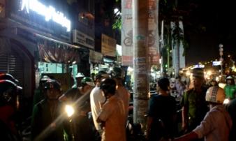 Grabbike và xe ôm truyền thống hỗn chiến, cảnh sát nổ súng trấn áp