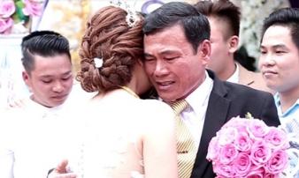 Ngày của Cha: Những hình ảnh về tình phụ tử lay động triệu con tim