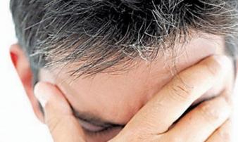 Tóc bạc sớm dấu hiệu cảnh báo bệnh nguy hiểm bạn không ngờ tới
