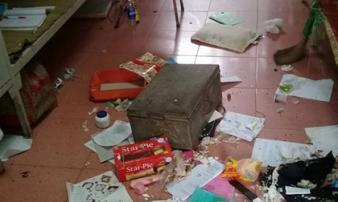 """Kinh hoàng cảnh """"sống trên đống rác"""" của nữ sinh Việt"""