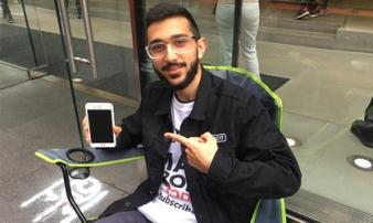 Fan cuồng iPhone 'cố thủ' tại Apple Store từ hôm nay, được trả 1 tỷ đồng cũng không bán chỗ