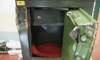 Công ty ở Sài Gòn bị đục két sắt, mất gần 2,7 tỷ đồng