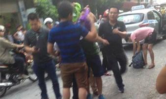 Tử tù Lê Văn Thọ không kịp phản ứng khi cảnh sát đập vỡ kính taxi, khống chế